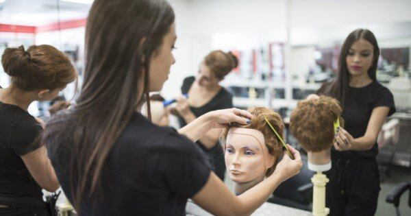 best Universities for cosmetology